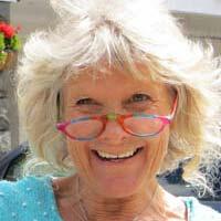Mouli MacKenzie, Dru Yoga teacher trainer